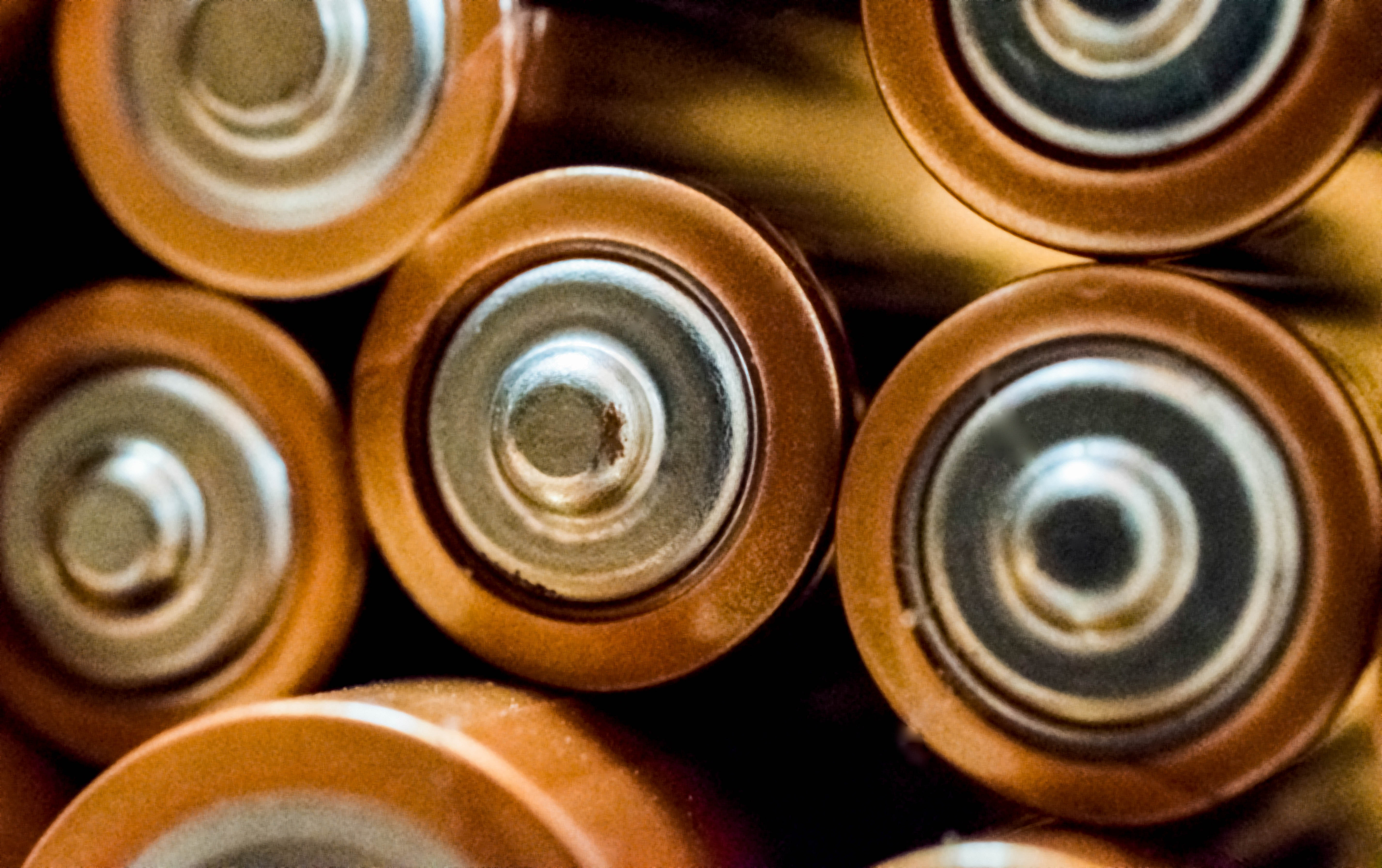 2batteries-blur-brass-698485.jpg